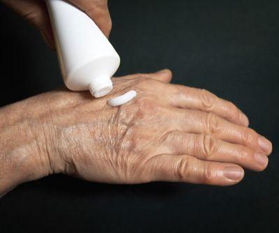 Согревающие мази для суставов при артрозе