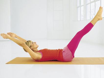 упражнение на полу