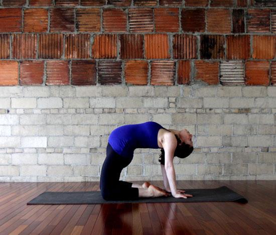 Изображение - Беременность болит нога в тазобедренном суставе Hip-Back-Yoga-Stretches-Pregnancy