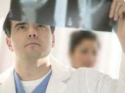 К какому врачу обратиться при артрите?