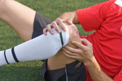 повреждение колена во время тренировки