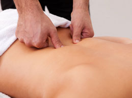 Правильный массаж при поясничном остеохондрозе, который действительно поможет