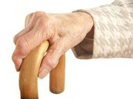 у бабушки деформированы суставы