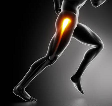 Сильная боль в бедре при ходьбе отдает в ногу