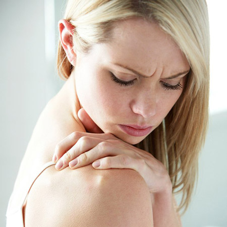К какому врачу идти, если болит плечо