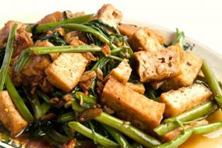 спаржевая фасоль с зеленью и копченым тофу